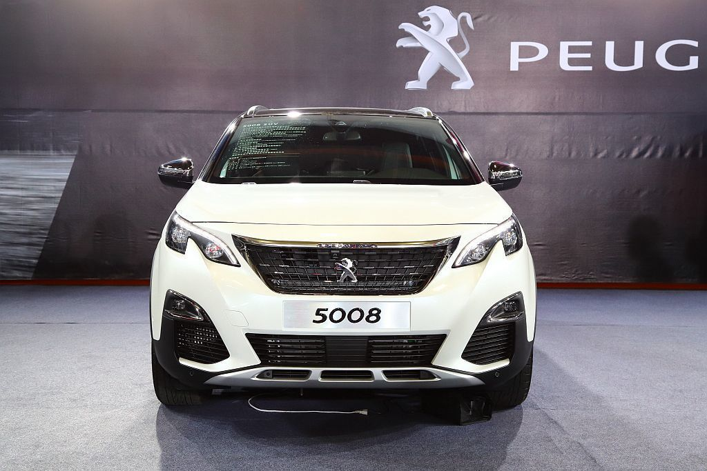 新年式Peugeot 5008休旅車,除提供2.0L BlueHDi GT車型外,變速系統也換裝新EAT 8八速手自排。 記者張振群/攝影