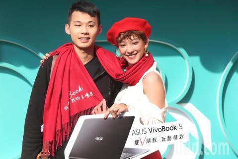 孟耿如下午在華山文化園區出席華碩活動,擔任ASUS VivoBook品牌大使擔任一日店長,大跳雙V舞與粉絲互動。