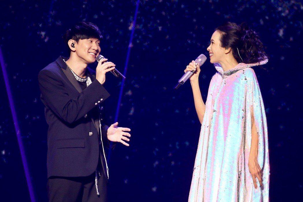莫文蔚(右)邀來林俊傑擔任嘉賓。記者林伯東/攝影