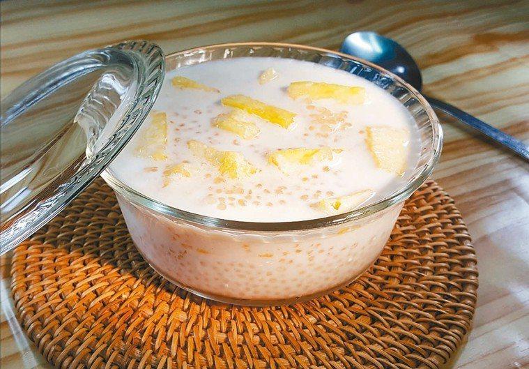 鳳梨牛奶西米露(1人份)