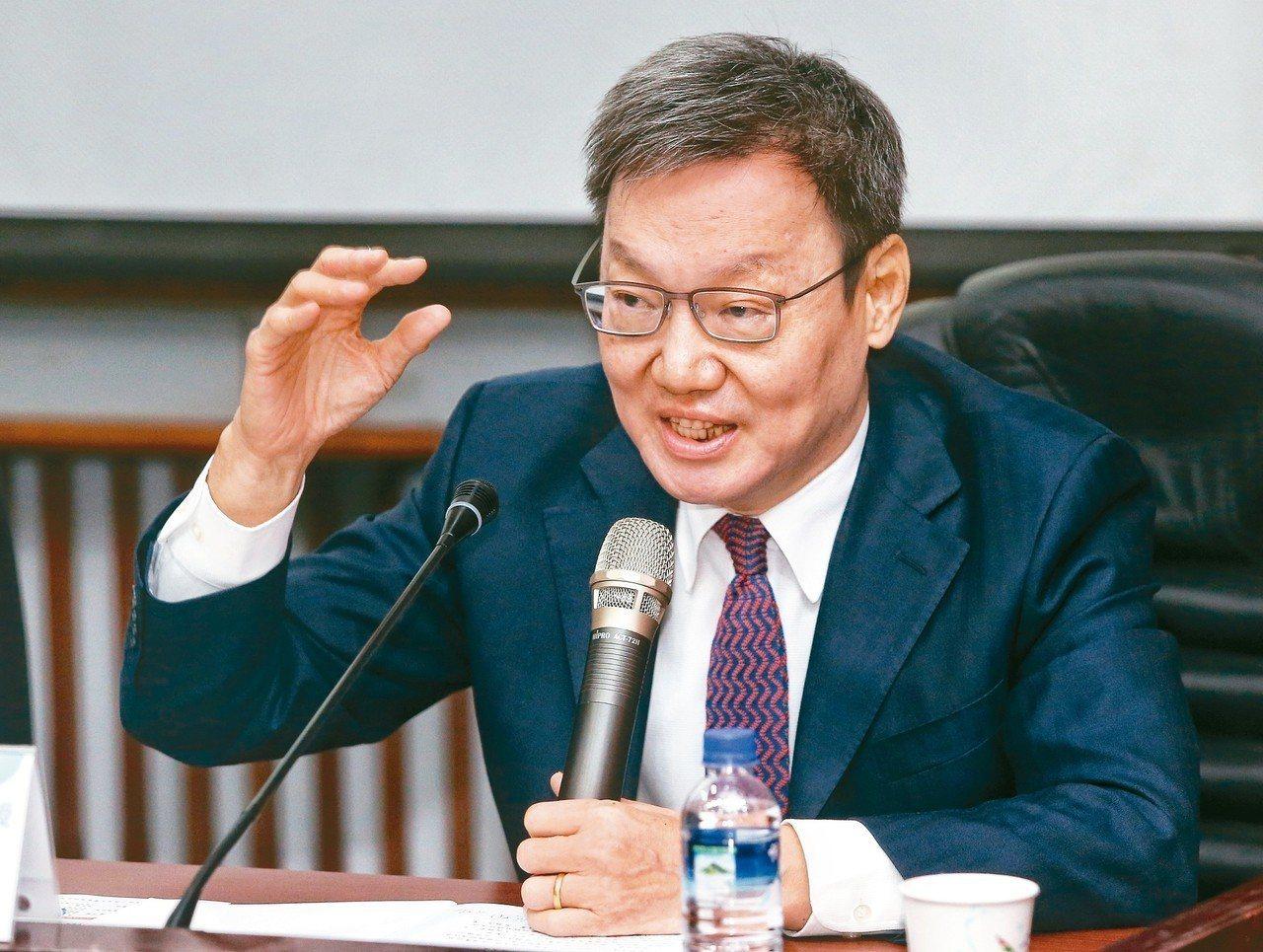 台北論壇基金會董事長蘇起說,兩岸關係明年呈現「高度警惕」狀態。 記者鄭清元/攝影