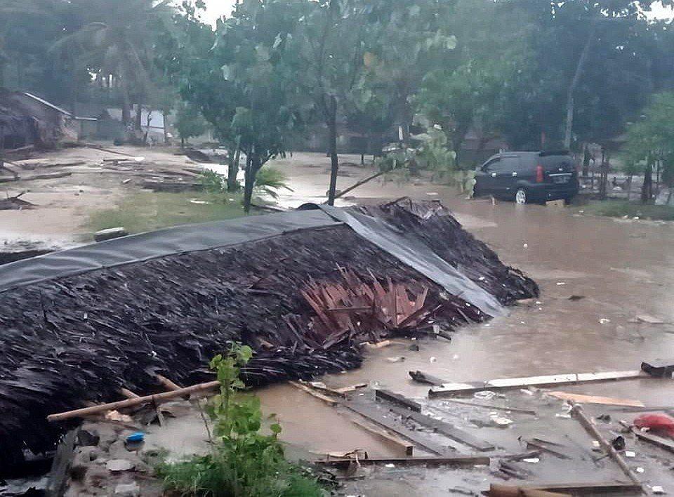 印尼22日晚間發生海嘯。 歐新社