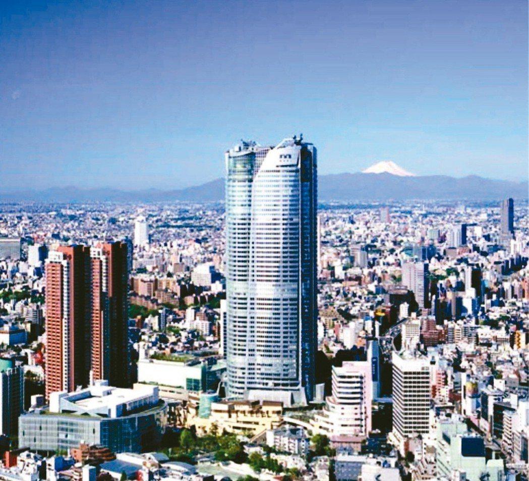 日本近年來為吸引更多外資、優秀人才進駐,釋出多項政策,包括放寬就業簽證、在港區設...