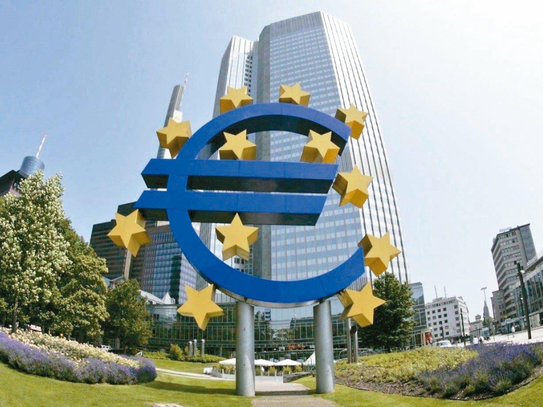 富邦人壽預計投資新台幣207億,買德國法蘭克福的歐元塔。 網路照片