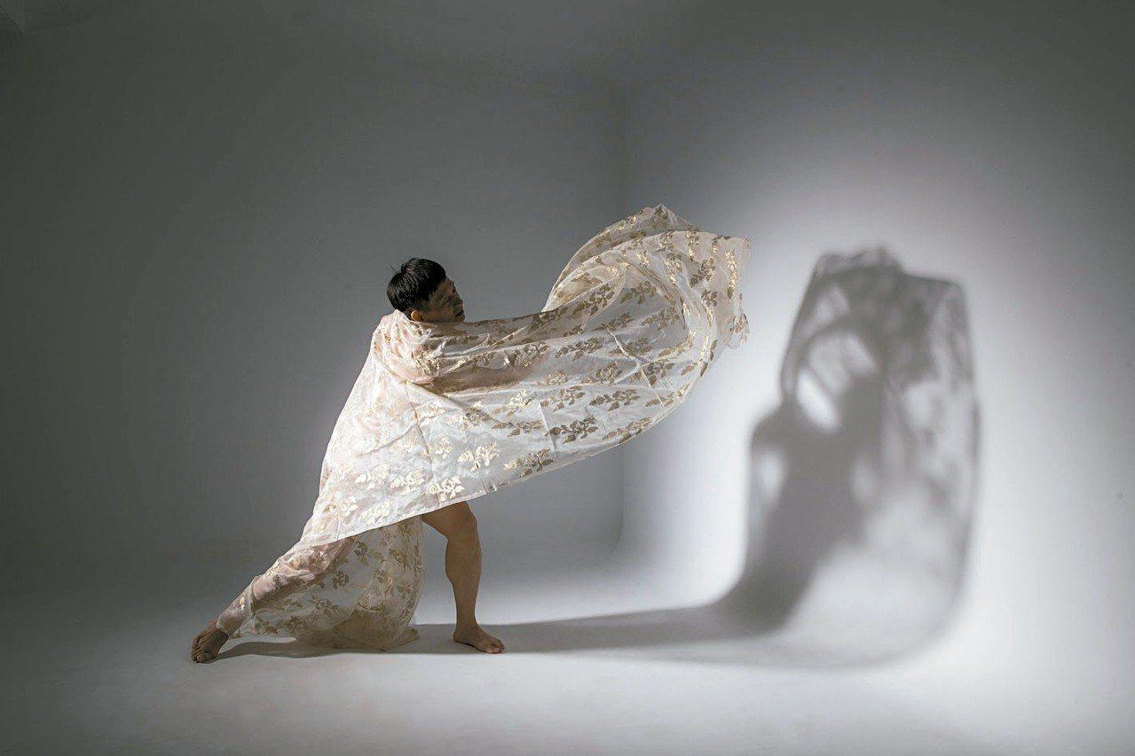 吳義芳55獨舞。 圖/吳義芳提供