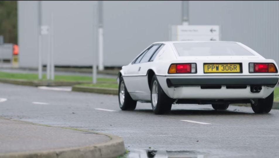 007電影裡經典名車Lotus Esprit。 摘自Lotus