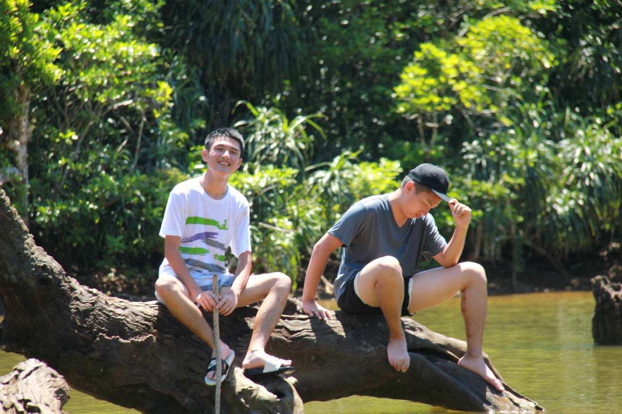 彰化高中的6名學生赴蘭嶼徒步踏查並寫出「蘭島與夕」刊物紀錄所見所聞獲頒青年體驗學...