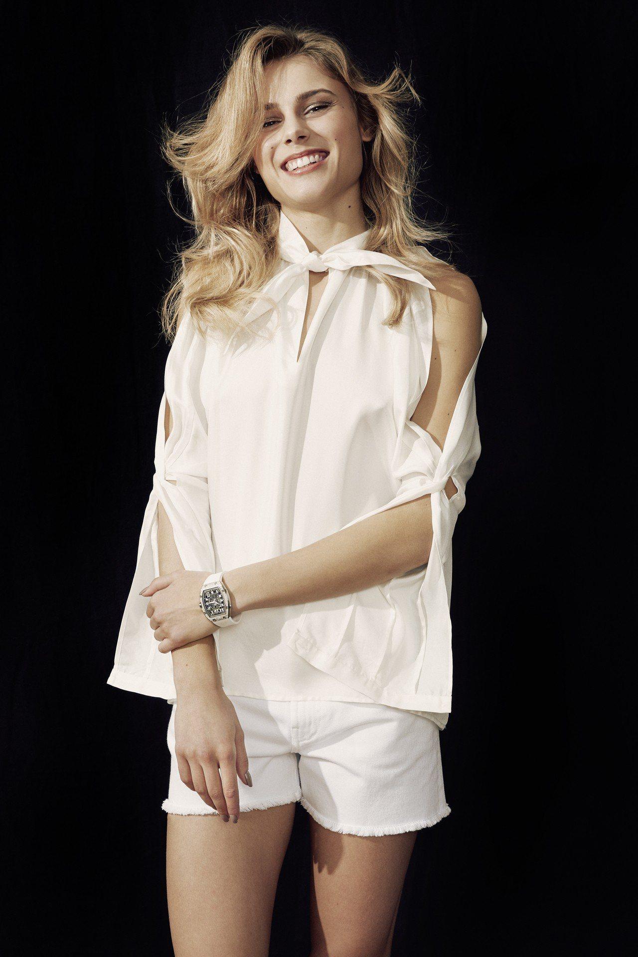 年僅21歲,相貌甜美的Yuliya Levchenko被認為是跳高運動前途不可限...