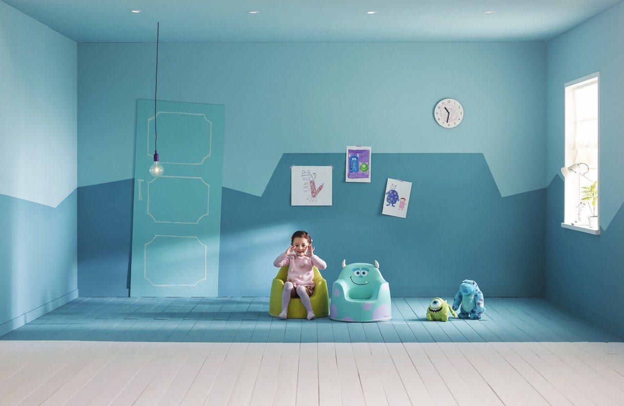 外型超可愛的Aco小沙發,因為使用安全無毒材質、模擬大人懷抱的人體工學設計而受到...