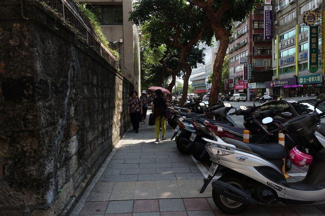台北市長柯文哲拍板,台北市機車停車格將逐步全面收費。圖/聯合報系資料照片