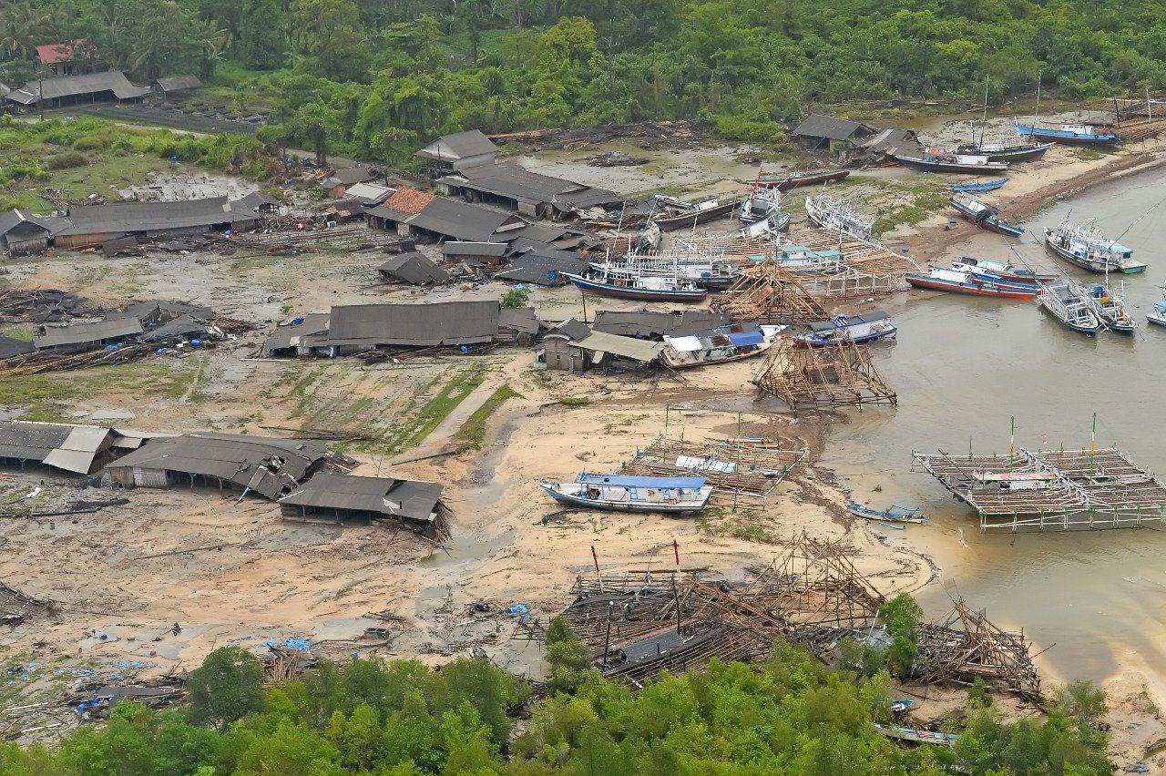 印尼巽他海峽22日晚間發生海嘯。 路透社