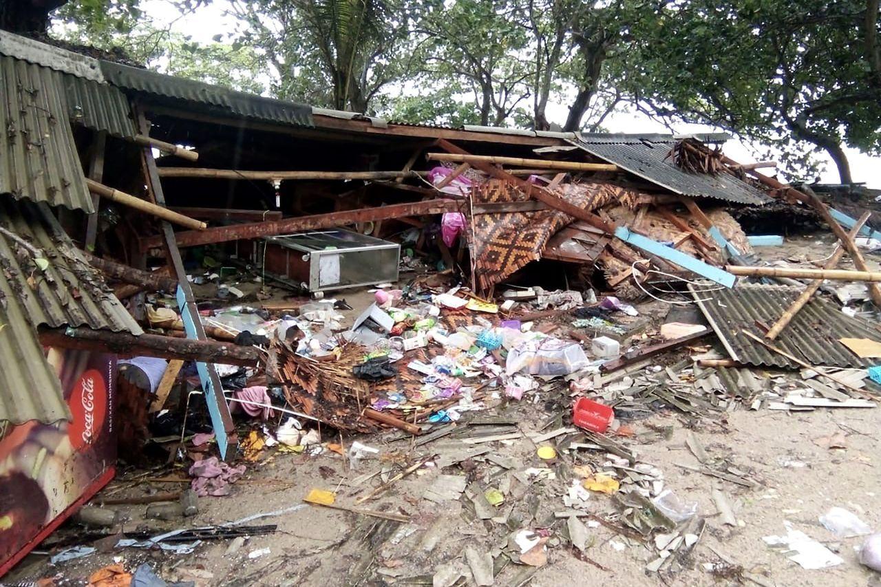 印尼沿海地區遭海嘯侵襲,造成近300人喪命, 法新社