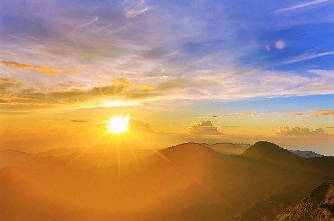 ▲宜蘭太平山景點-望洋山曙光日出。(圖/Tripbaa趣吧!亞洲自由行專家)