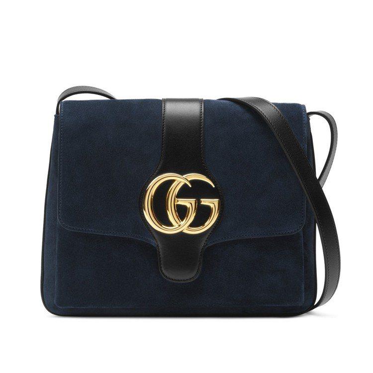 Arli藍色麂皮肩背包,81,500元。圖/Gucci提供
