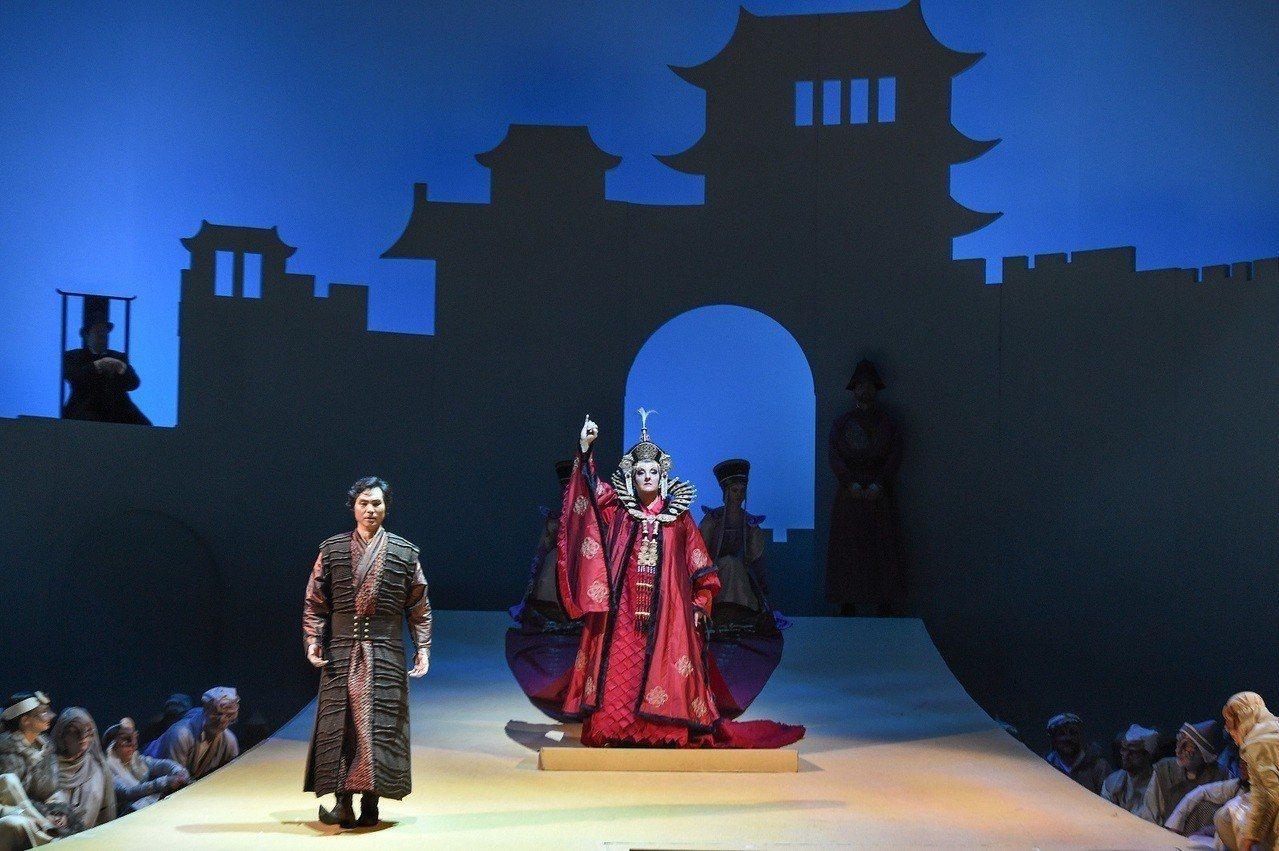 衛武營國家藝術文化中心藝術總監簡文彬表示,與德國共同製作的經典歌劇「杜蘭朵」將在...