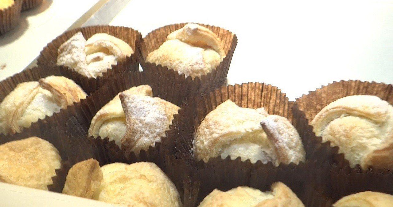 網購冠軍蛋糕名店「亞尼克」也推出超好吃的芋頭千層酥。記者蔡維斌/攝影