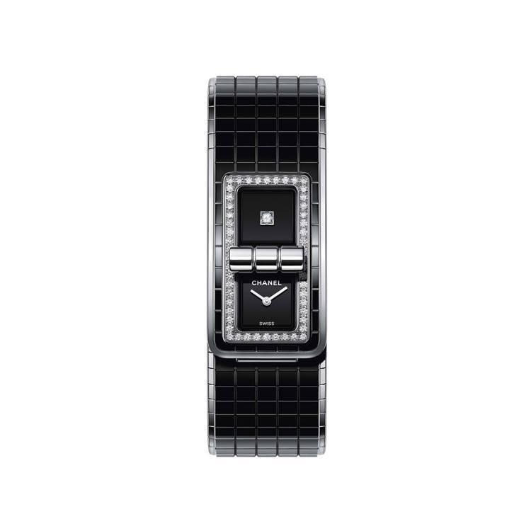 香奈兒CODE COCO腕表,不鏽鋼表殼搭配高科技陶瓷表鍊,約35萬7,000元...