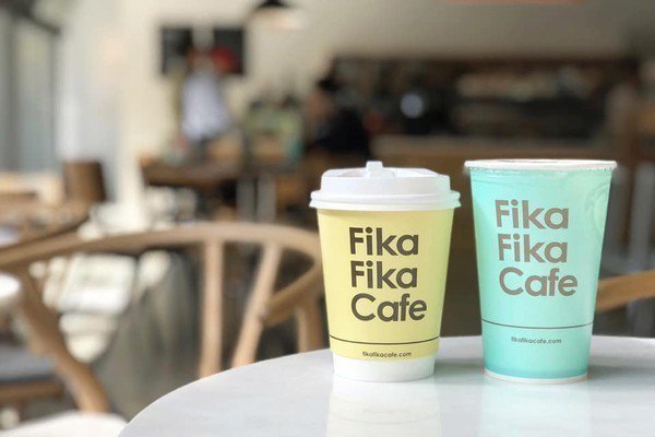 Fika Fika Cafe在耶誕節期間推出特定飲品買1送1優惠。圖/摘自Fik...
