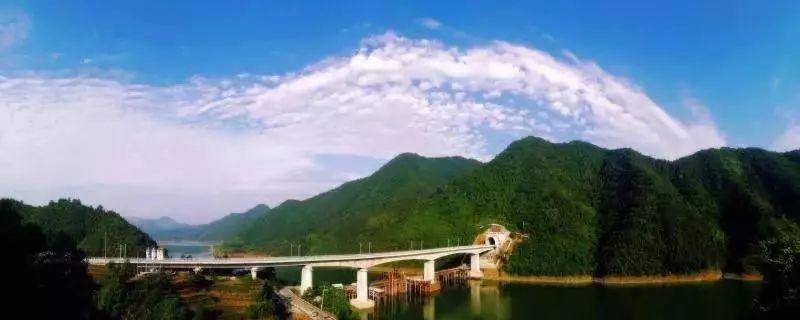 杭黃高鐵12月25日開通運營,將大幅縮短杭州至黃山時空距離。圖/取自澎湃新聞