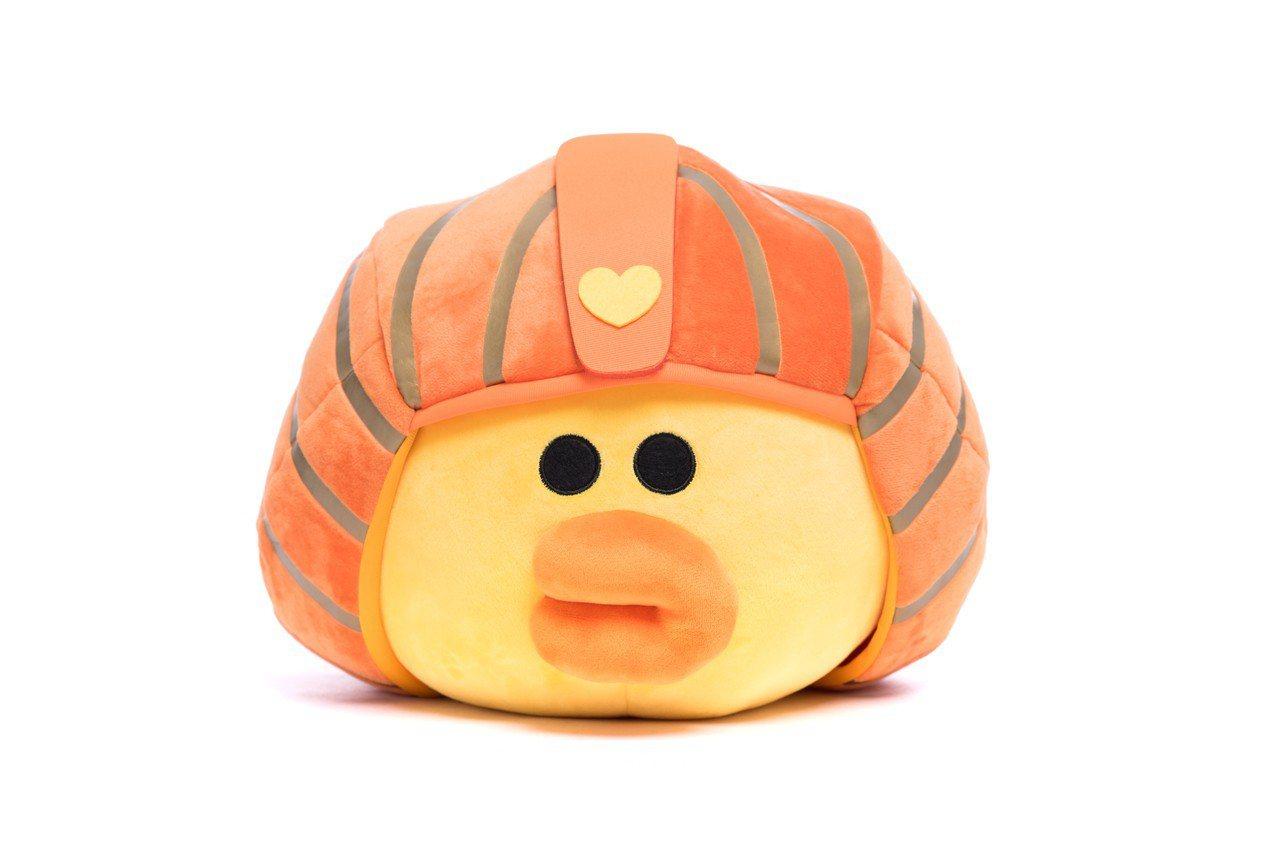 25公分LINE FRINEDS莎莉獅身抱枕,建議售價880元。圖/悍草創意提供