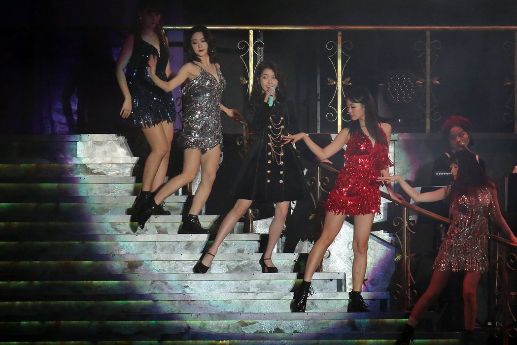 IU演唱會彷彿歌舞劇。記者許正宏/攝影
