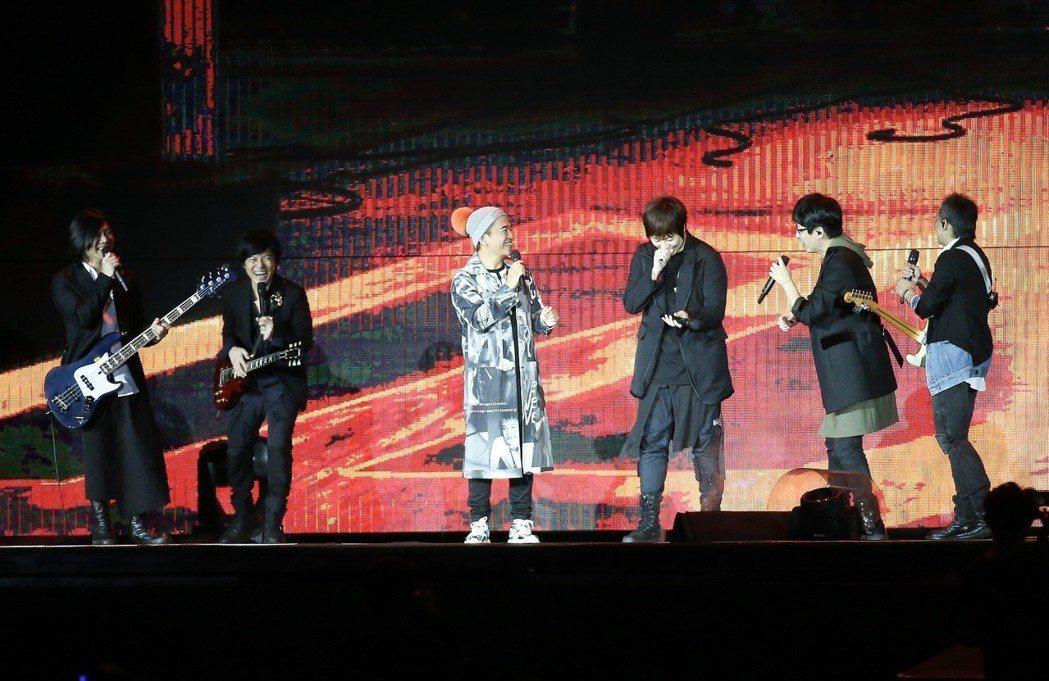 吳宗憲24日擔任五月天演唱會嘉賓。記者余承翰/攝影