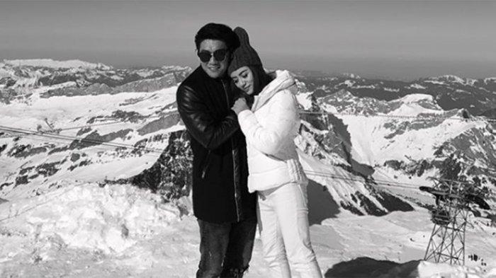 里菲安在得知噩耗後於社群媒體上貼上兩人照片悼念妻子。圖取自該樂團IG帳戶