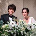 桐谷美玲與三浦翔平補辦婚宴 高顏值婚照網讚「根本在拍日劇」