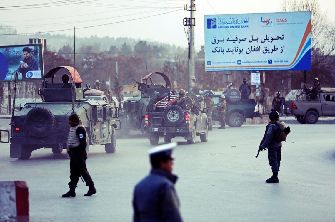 阿富汗首都喀布爾24日下午發生嚴重的恐怖攻擊,至少43死。 圖/美聯社