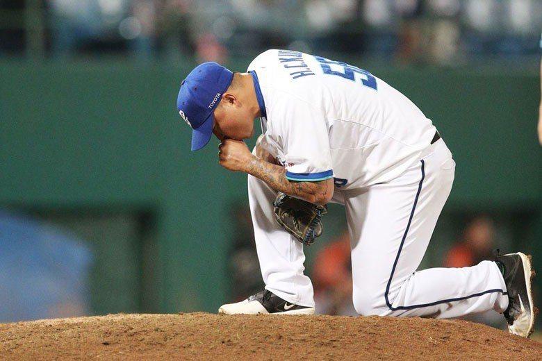 郭泓志在今年球季結束後宣布退休,即使最後球團成功慰留,他的每次投球也都顯得珍貴。...
