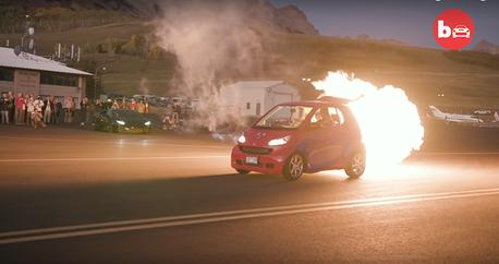 影/搭載2,000匹馬力噴射引擎的最速Smart ForTwo!