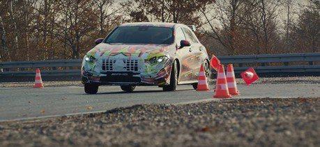 影/Mercedes-AMG A45偽裝車飆上賽道!