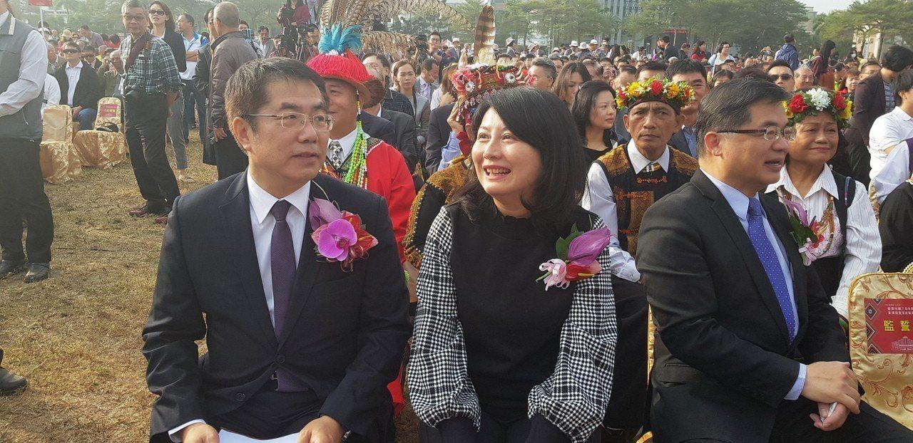 台南市新任市長黃偉哲上午協同夫人劉育菁一起參加就職典禮。聯合報系/記者修瑞瑩攝影