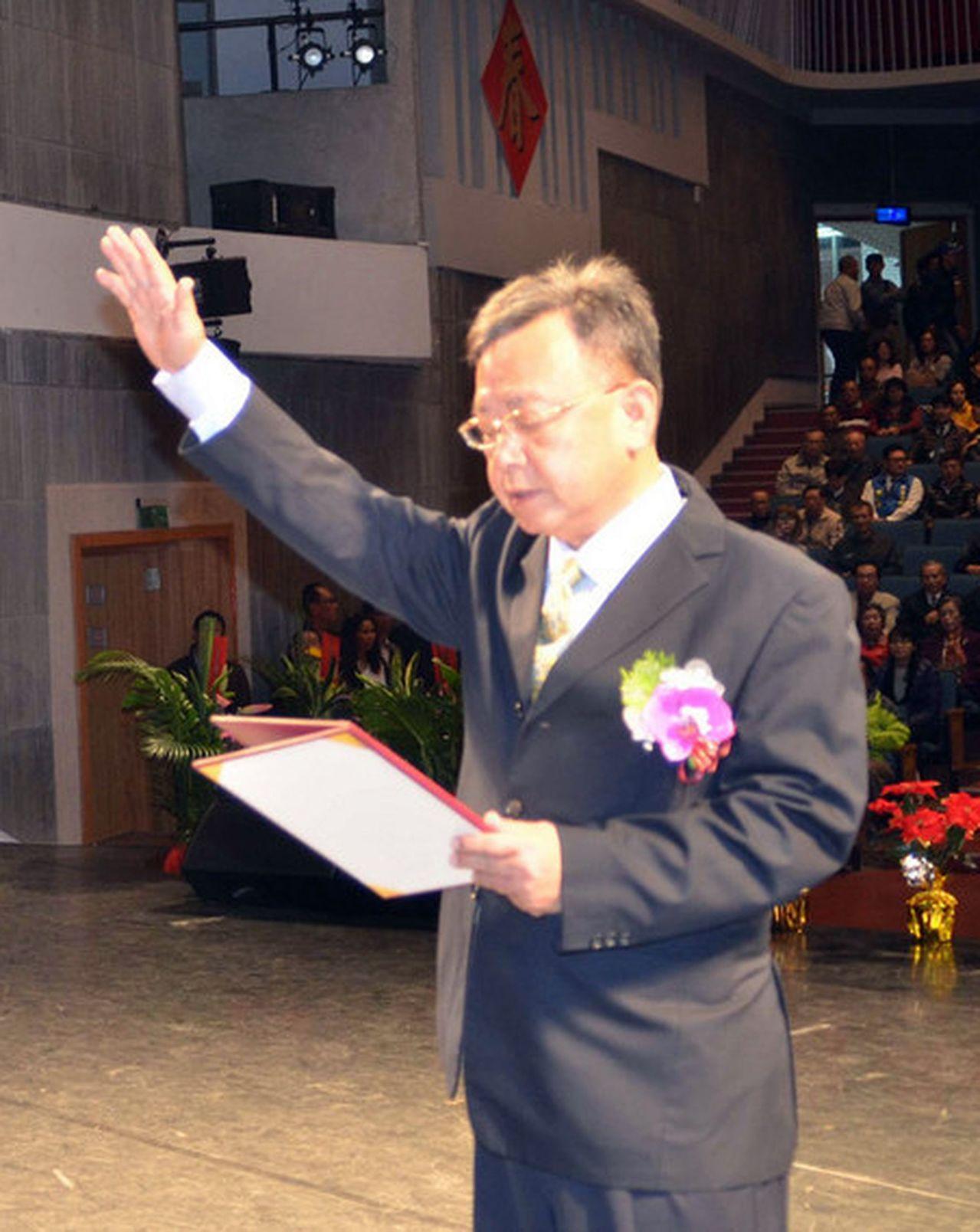 新科澎湖縣長賴峰偉,今天上午宣誓就職。記者王昭月/翻攝
