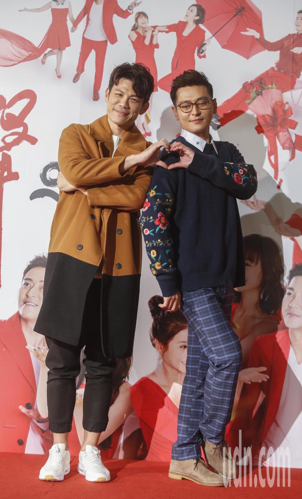 三立電視台新八點檔台劇「炮仔聲」下午舉行首映會,主角陳冠霖(右)與陳志強(左)。...