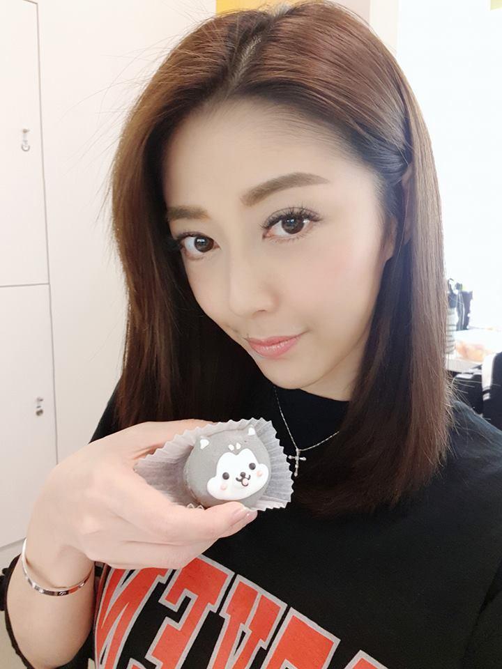 韓瑜被質疑動刀整型讓她氣pupu。圖/摘自臉書