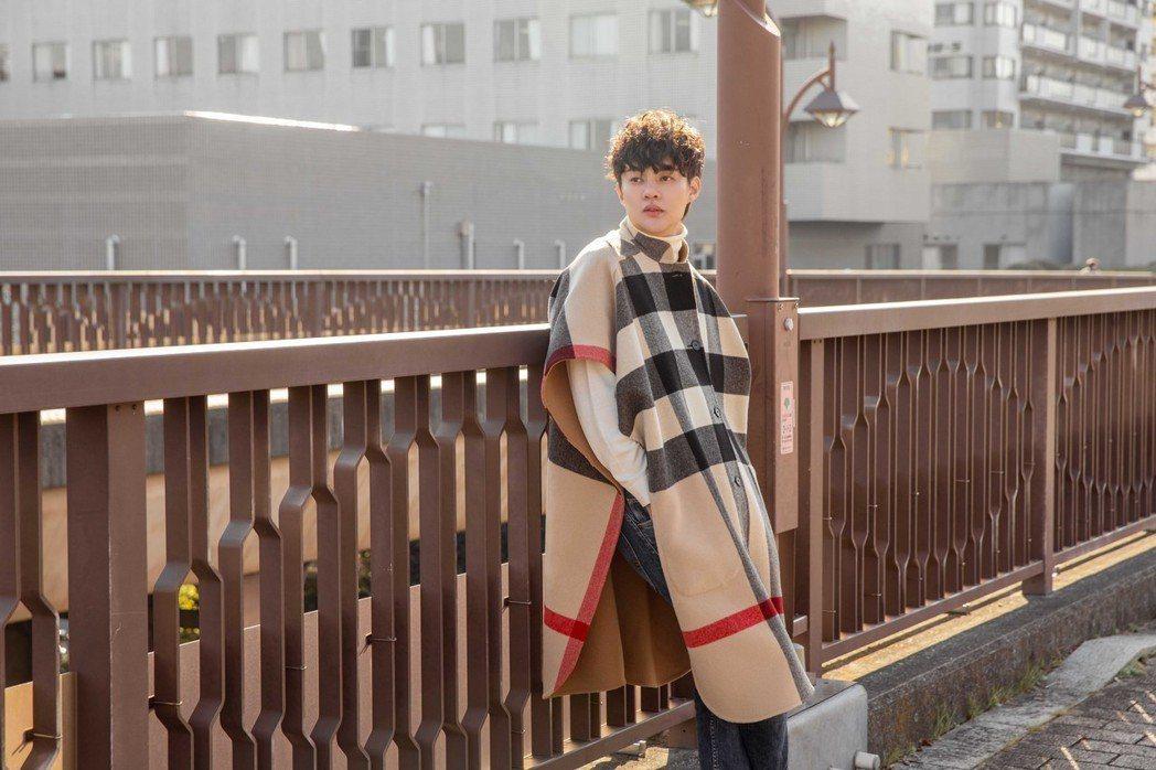 許富凱推出新專輯「我毋是你想的遐爾快樂」。圖/時代創藝提供