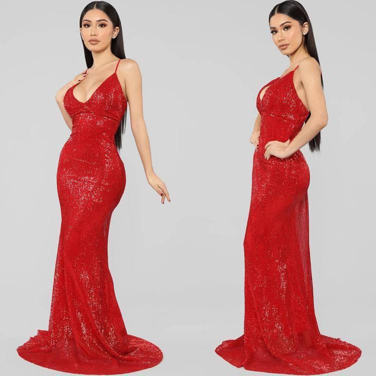 Fashion Nova是美國Google熱搜榜時尚品牌類第一名。圖/取自IG