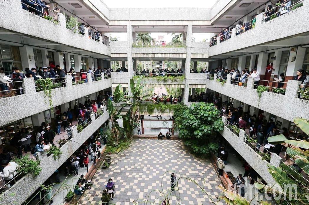 有十幾萬人報考的大學學測下月登場。 圖/聯合報系資料照片