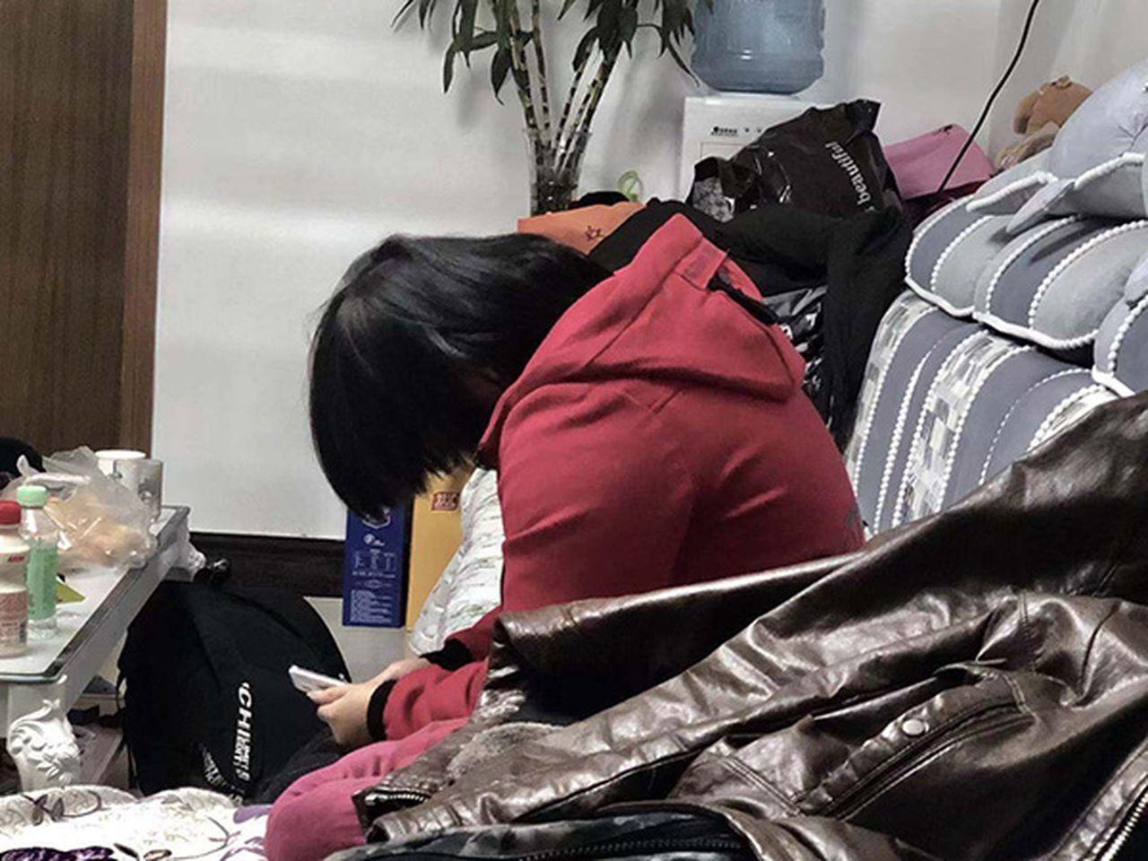 河南少女失蹤6年後尋獲,慘遭一對父子性侵導致精神分裂。 圖/取自澎湃新聞
