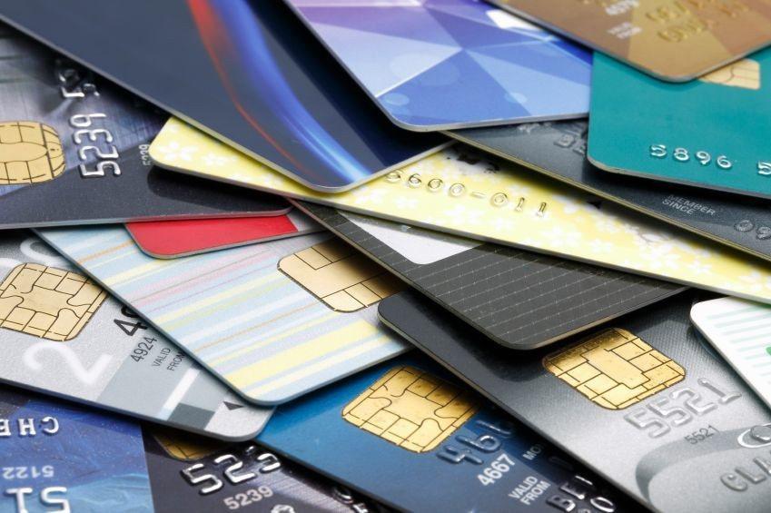 發卡銀行調整信用卡優惠,縮水措施一波又一波。本報資料照片/記者翁永全攝影
