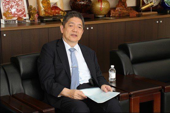 臺灣工具機暨零組件公會理事長嚴瑞雄表示,這波智慧化動能,是推升臺灣工具機進入下一...
