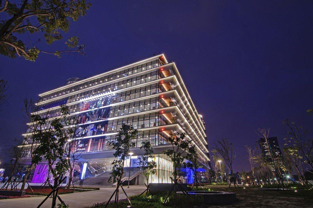 亞洲新灣區生活機能面面俱到,鄰近總圖、好市多、IKEA。圖片提供/本業建設