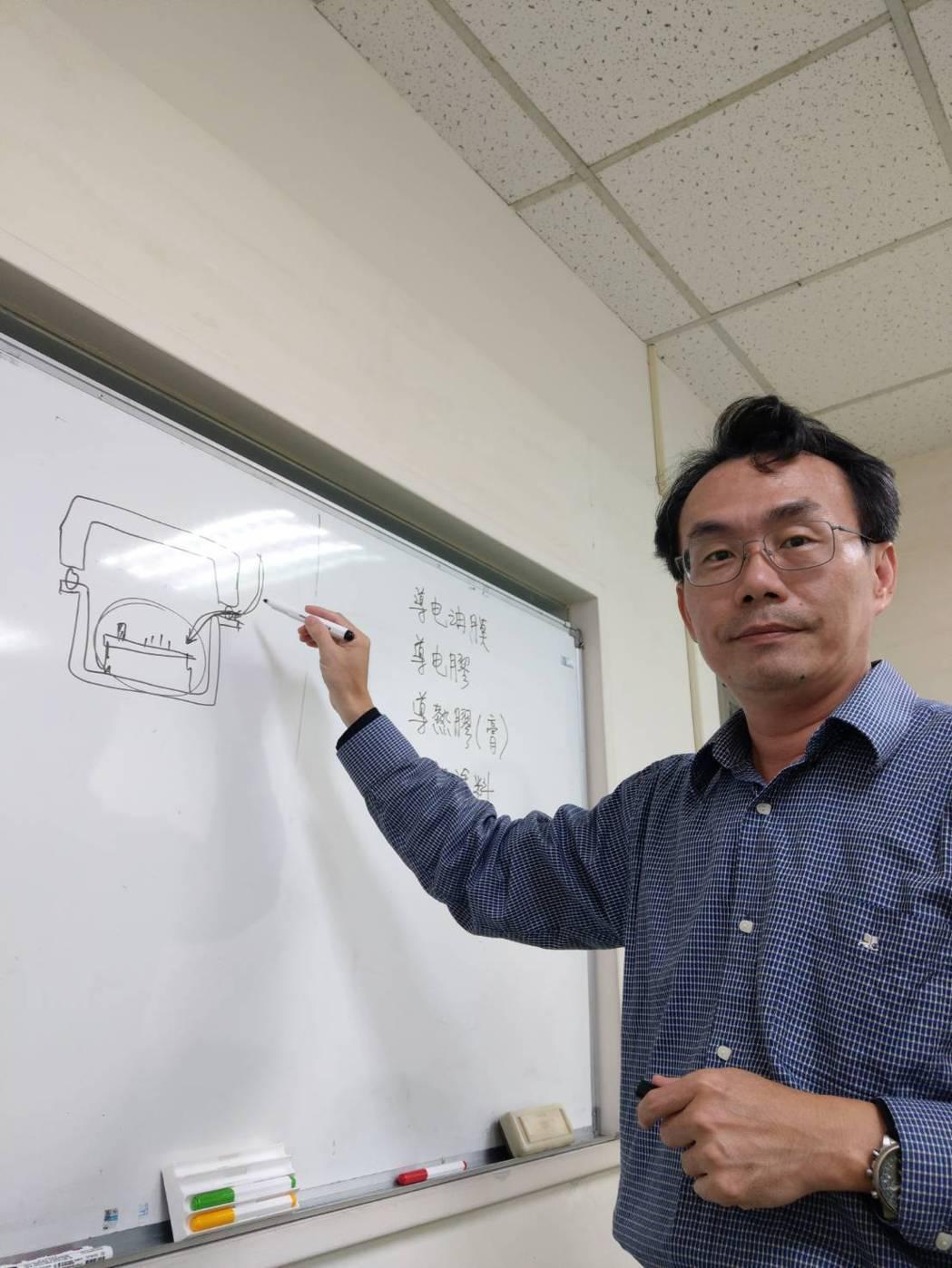 永恆利科技公司總經理黃孟宏對於石墨烯產業的前景相當看好。 莊祖銘/攝影