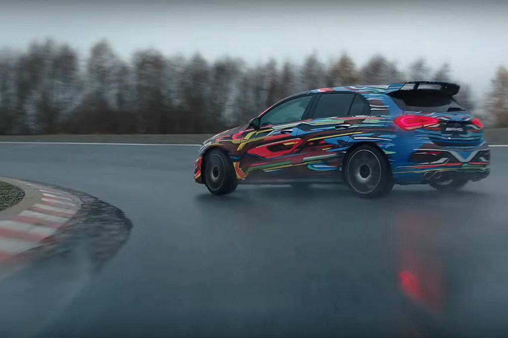 甩尾(Drift)模式已經成為AMG A 45的主秀,也讓更多人期待發表時間。 圖/Mercedes-AMG影片擷取