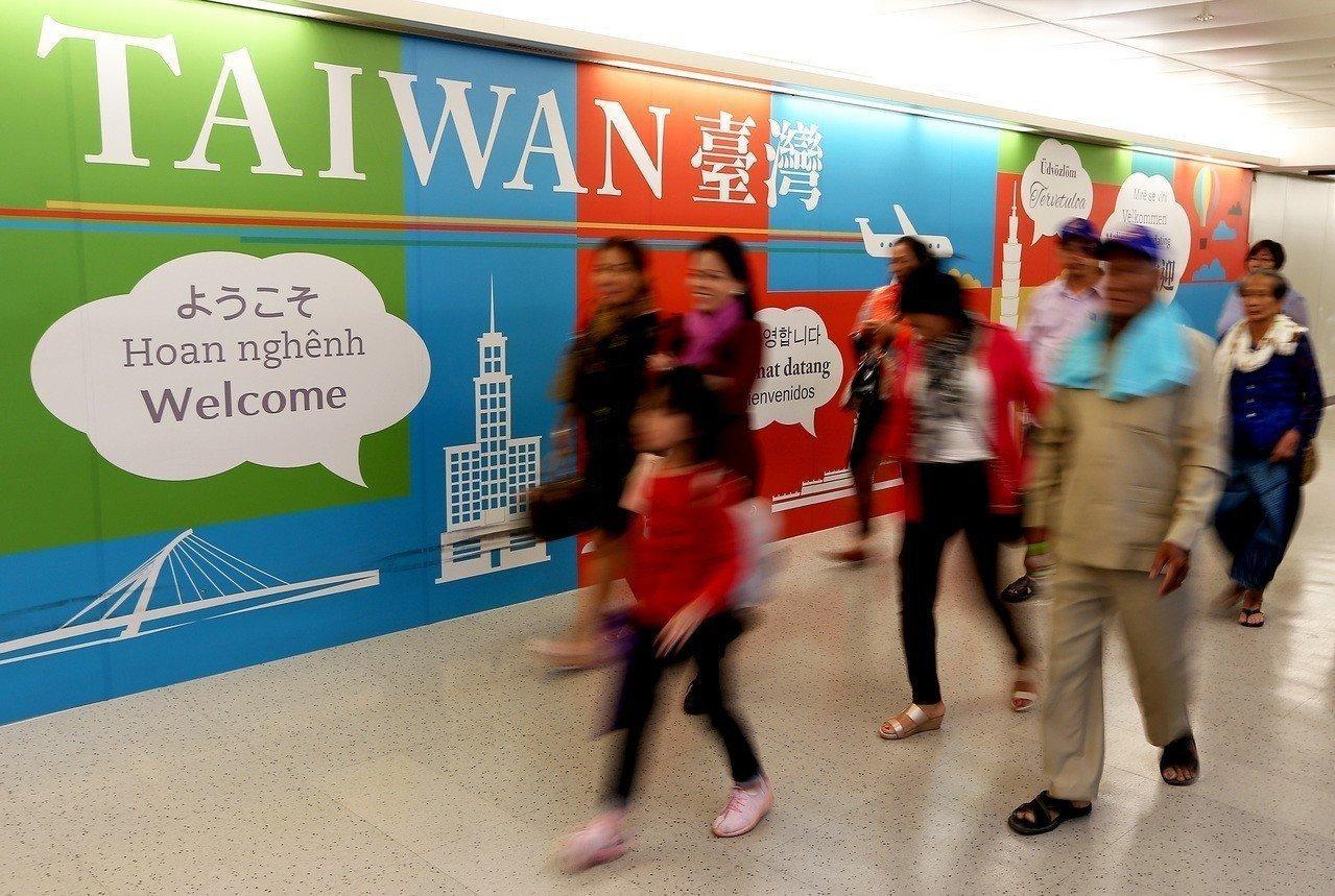 政府新南向政策提供諸多優惠,盼吸引更多東南亞觀光客來台,如今卻發生三年來最大規模...