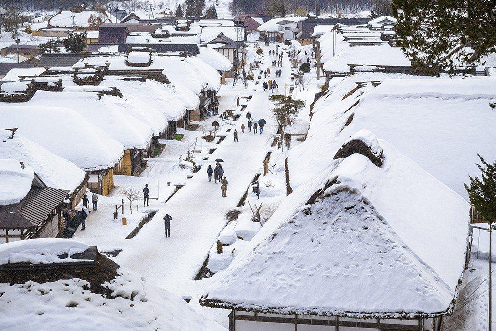 日本福島縣春季的花海,夏季的海岸,秋季的楓紅,冬季的雪景,當地的四季分明,遠航明...