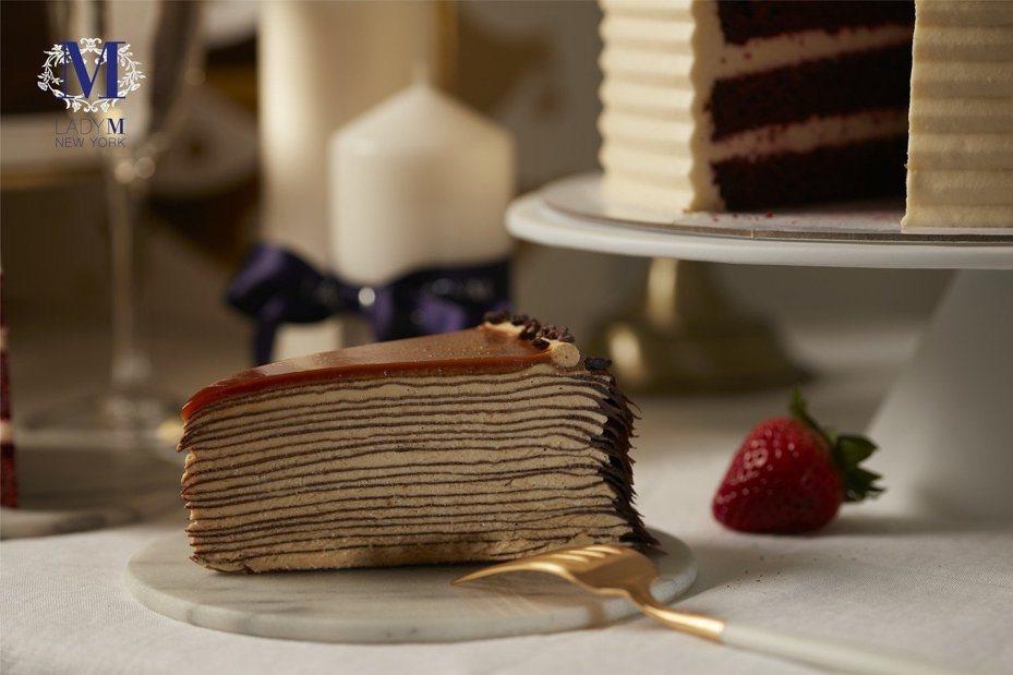 板橋大遠百Lady M快閃店最受歡迎的口味「海鹽焦糖千層蛋糕」。圖/遠百提供