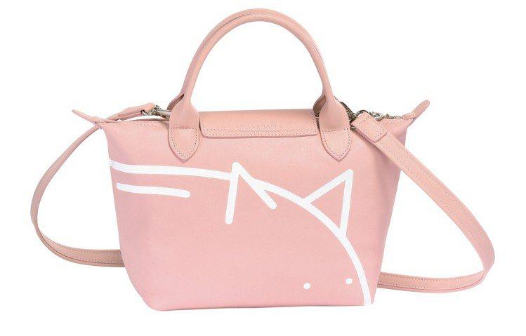 LONGCHAMP x Mr. Bags限量聯名小羊皮手袋,售價17,800元。...