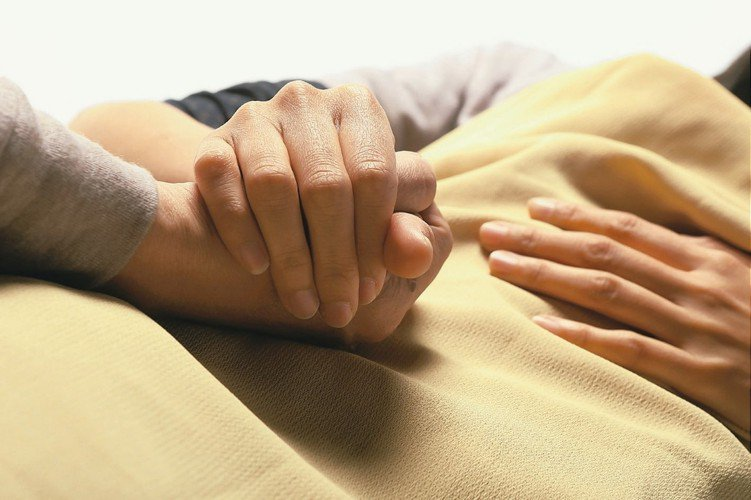 衛福部公布最新癌症登記報告顯示,癌症時鐘又快轉兩秒,平均每4分鐘58秒就有一人罹...